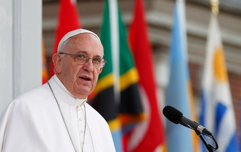 Pope Francis speaks from Independence Hall in Philadelphia Sept. 26. (CNS photo/Paul Haring) See POPE-INDEPENDENCE-HISPANICS Sept. 26, 2015.